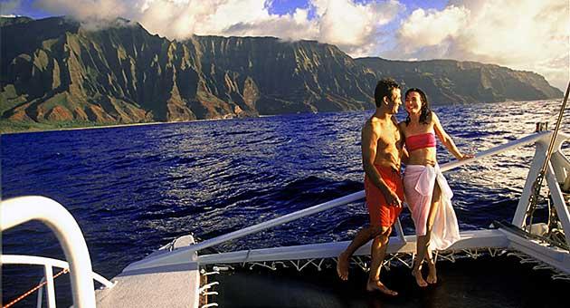 Clic Na Pali Sunset Dinner Sail